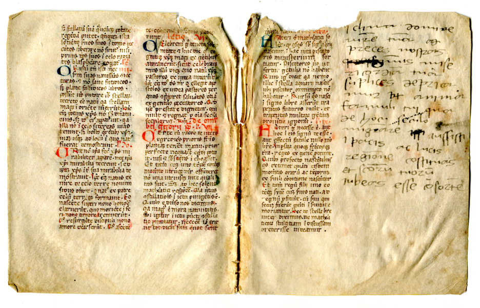 Facing pages in an opening of a dismembered manuscript, with a marginal addition in the originally blank second column at the end of the original text. Private collection, reproducted by permission.