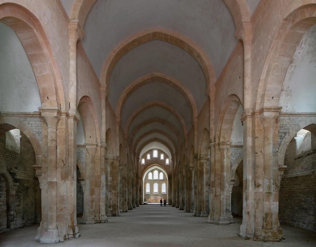 Abbaye de Fontenay (Marmagne, Côte-d'Or, Bourgogne, France) : vue intérieure de l'église